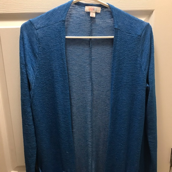 LuLaRoe Sweaters - LulaRoe Sarah (S)